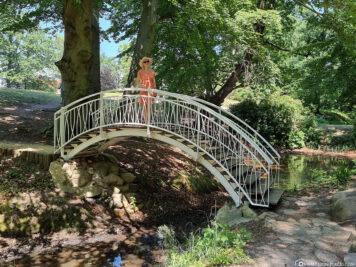 Brücke über den Inselteich