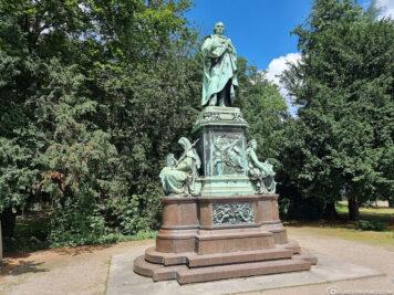 Kriegerdenkmal im Hofgarten