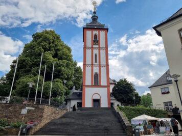 The Nikolaikirche with the crown