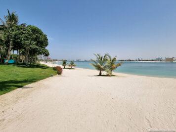 The private sandy beach of Aquaventure