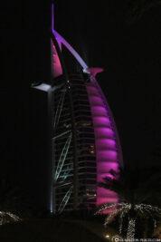 Das beleuchtete Burj Al Arab