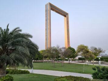 Der Frame vom Zabeel Park aus gesehen