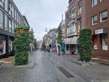 Die Einkaufsstrasse