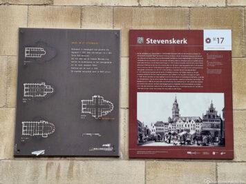 Infotafel über die Stevenskerk