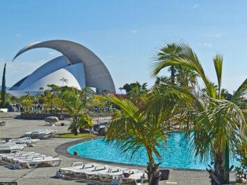 Das Schwimmbad im Parque Marítimo