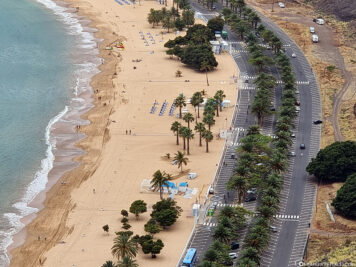 Der Strand Playa de Las Teresitas