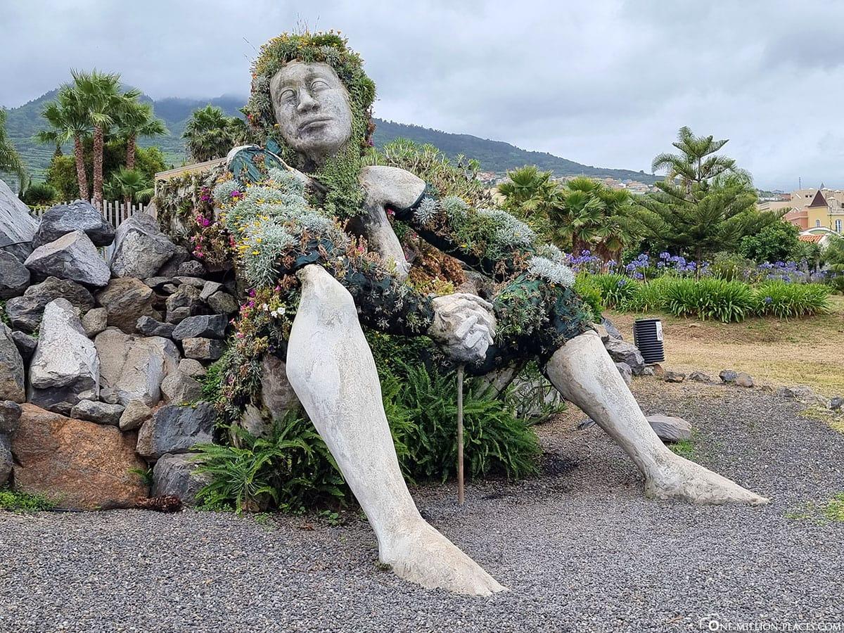Statue, Social La Quinta Garden, Santa Ursula, Tenerife, Spain